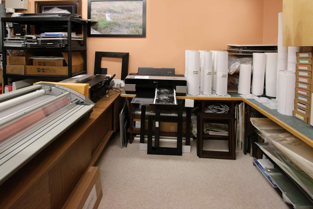 Photo printing Lethbridge Printing department, Photo darkroom, digital print