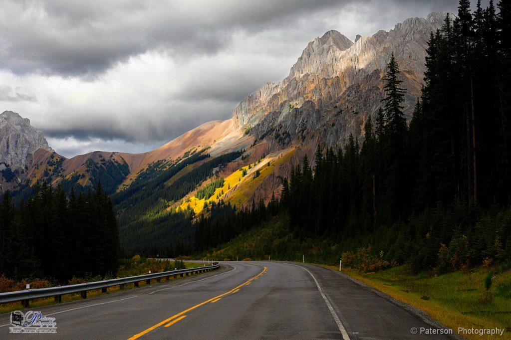 Fall drive through Kananaskis